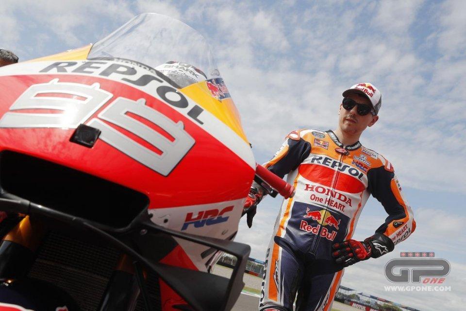 MotoGP: La moto di Lorenzo sotto i ferri della HRC in Giappone