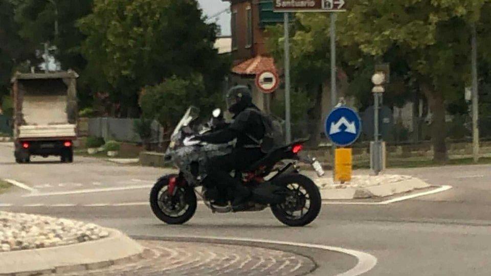 Moto - News: Ducati Multistrada V4: le prime immagini [VIDEO]