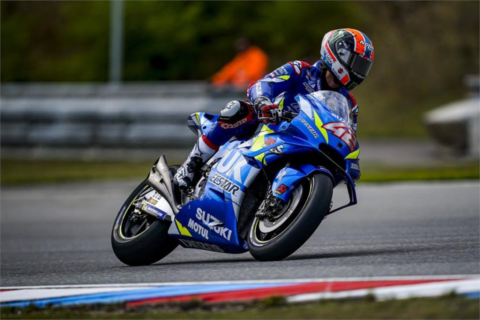 """MotoGP: Rins: """"I thought my tyre was exploding"""""""