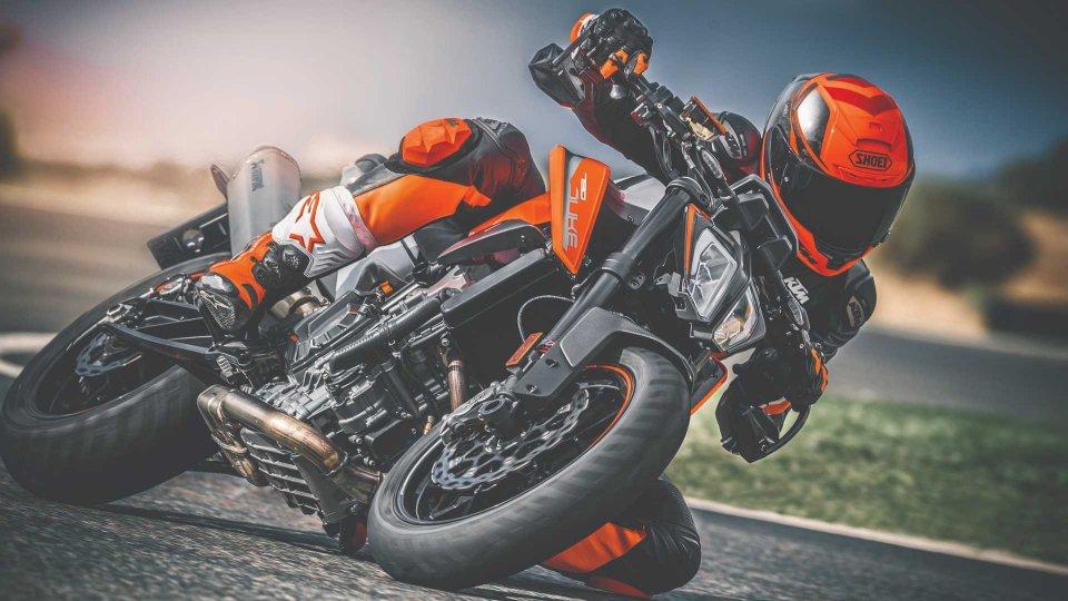 """Moto - News: KTM """"Power Duke"""", la promozione che ti regala lo scarico Akrapovič"""