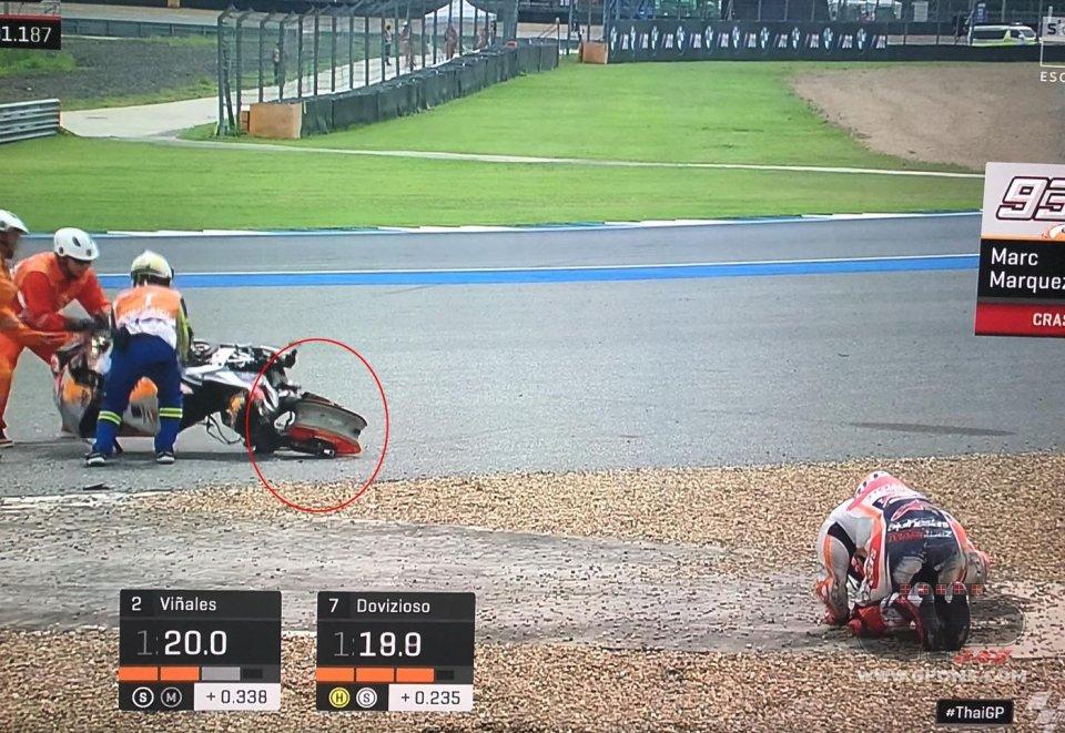 MotoGP: La caduta anomala di Marquez: gomma fredda o problema meccanico?