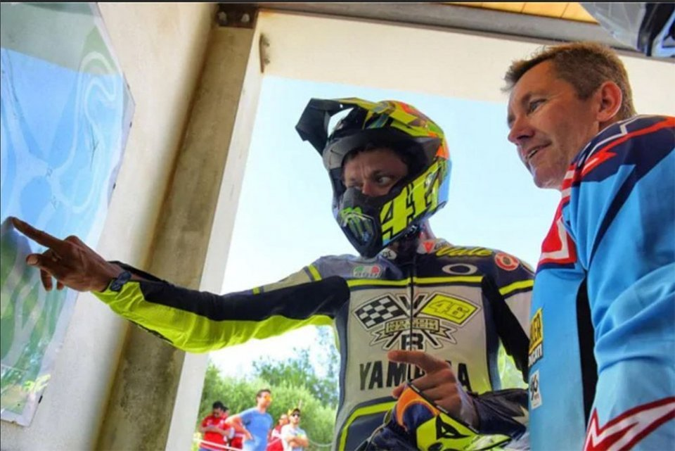 Moto - News: Marriage between Rossi and Bayliss: a collection by VR46