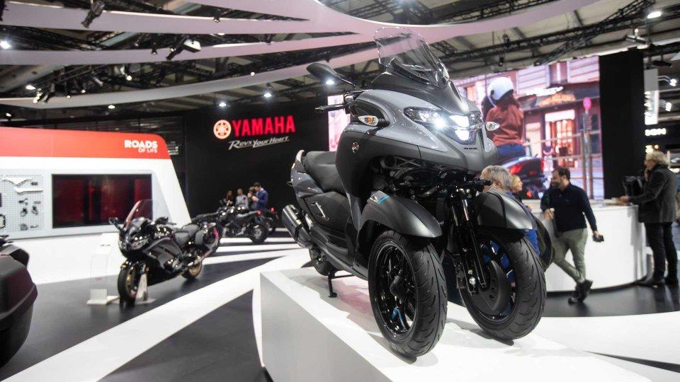 Moto - News: Yamaha Tricity 300, l'evoluzione dello scooter triruota