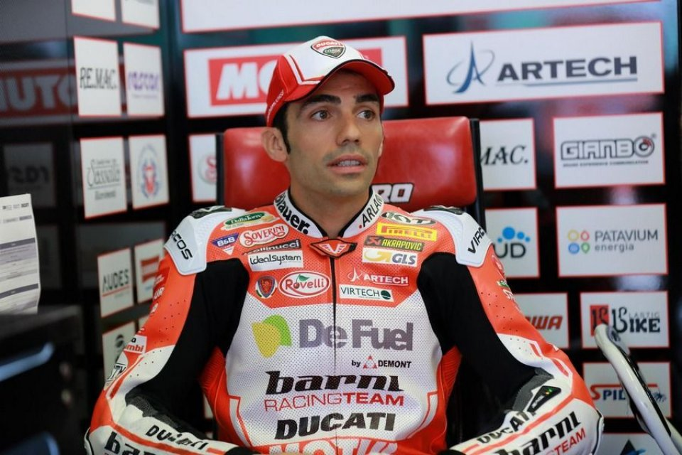 SBK: Michele Pirro sulla Panigale V4 R ai test di Jerez