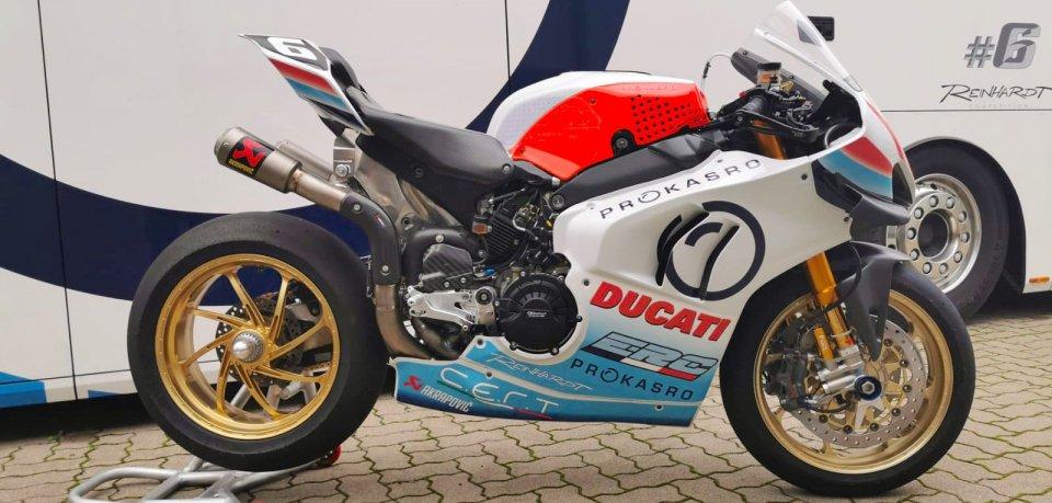 SBK: La Ducati V4 R sfida Morbidelli e la Yamaha alla 8 Ore di Sepang