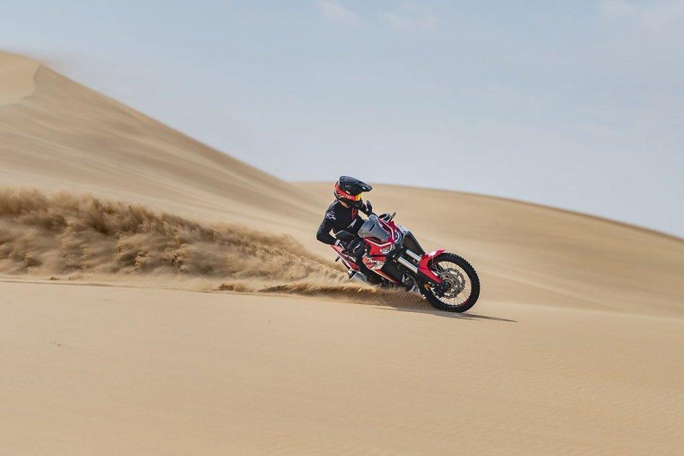 Moto - News: Honda CRF1100L Africa Twin: fino al 15 febbraio, in omaggio le pedane rally