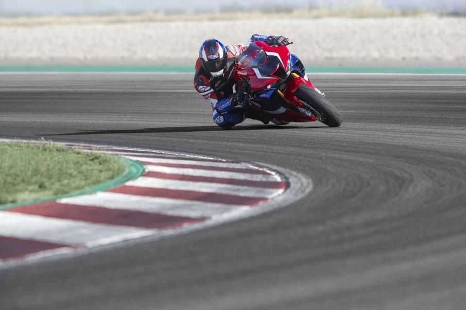Moto - News: Pirelli Diablo Supercorsa SP: su strada come in pista