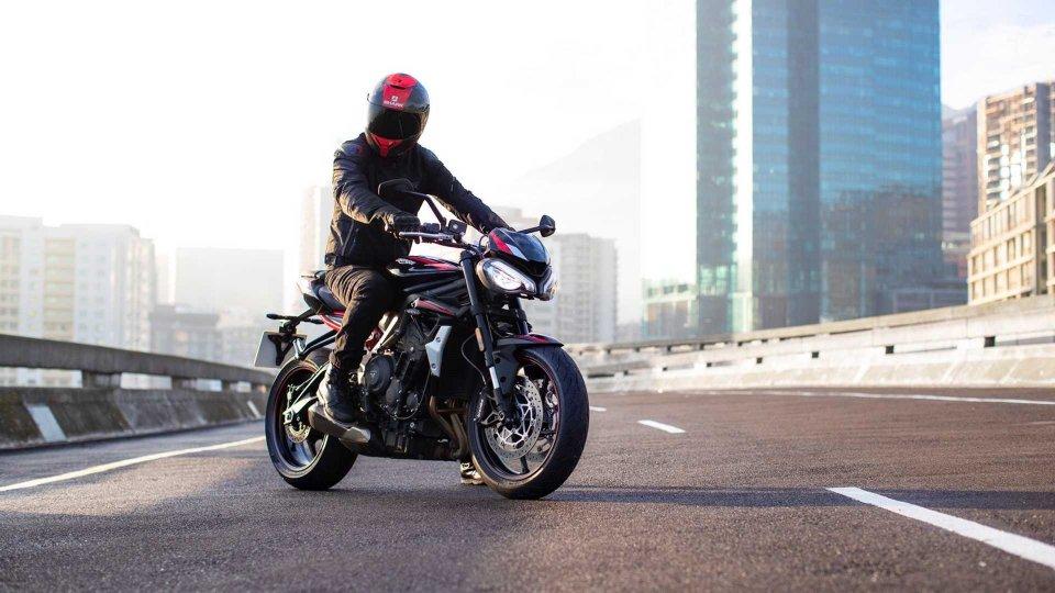 Moto - News: Triumph Street Triple R 2020: più dinamica, più conveniente