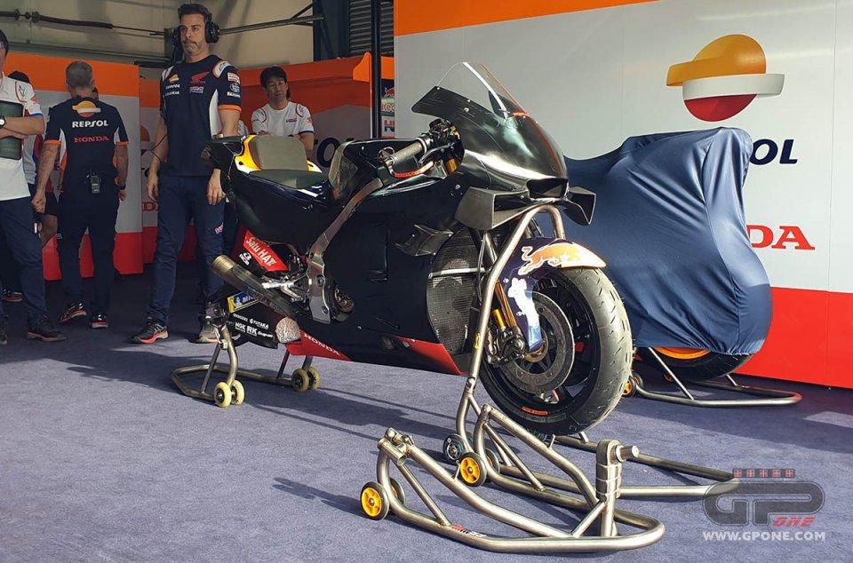 MotoGP: Honda in difficoltà: Marquez 'ruba' una RCV 2019 a Nakagami