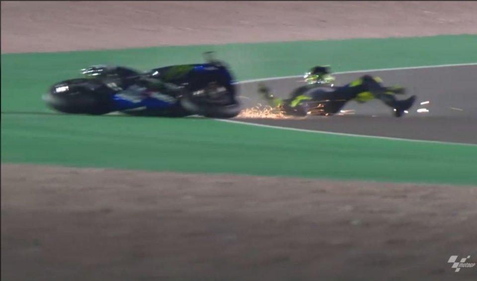 MotoGP: FOTO. La scivolata di Valentino Rossi nel 3° giorno di test in Qatar