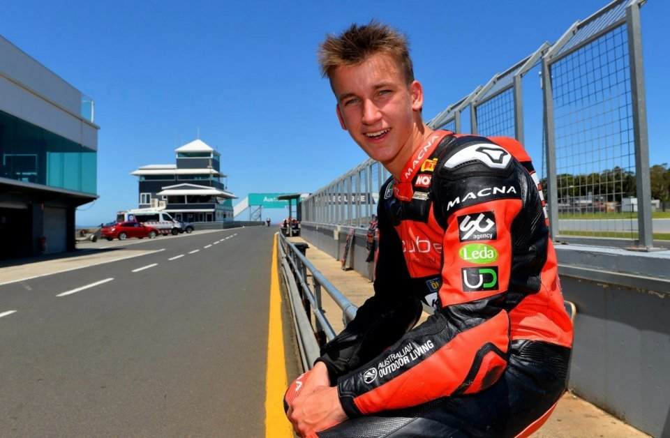 SBK: Another Bayliss in the SBK championship. Troy's son.