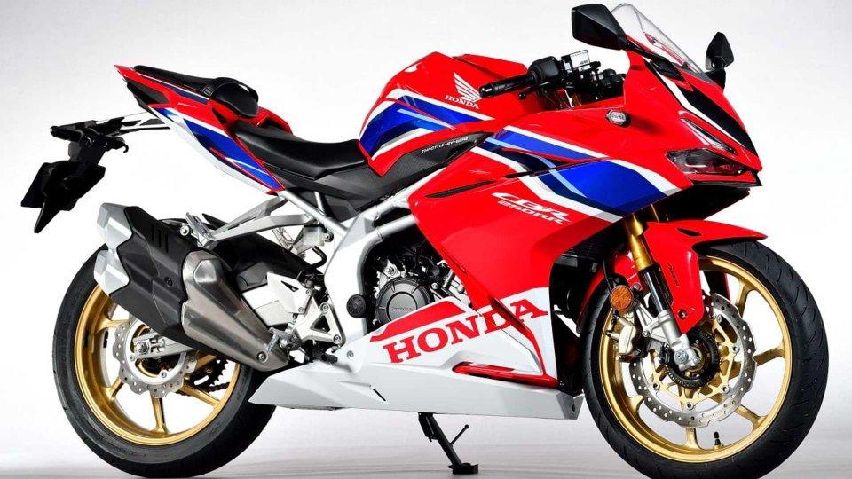 """Moto - News: Honda CBR250RR, la piccola """"Fireblade"""" sfida la Kawasaki ZX-25R"""