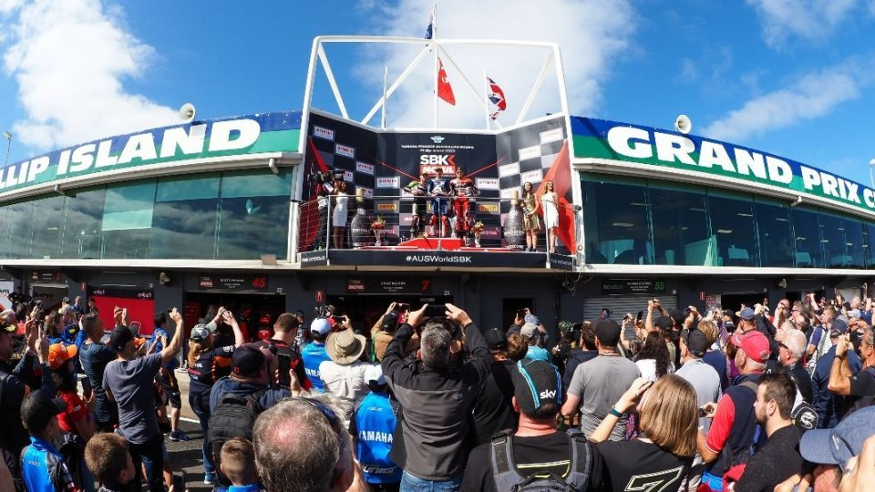 SBK: The heart of Superbike: 37 thousand euros collected for the fires in Australia