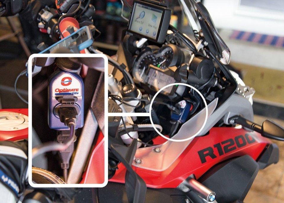 Moto - News: Coronavirus e la batteria: per salvaguardarla caricabatterie e non solo