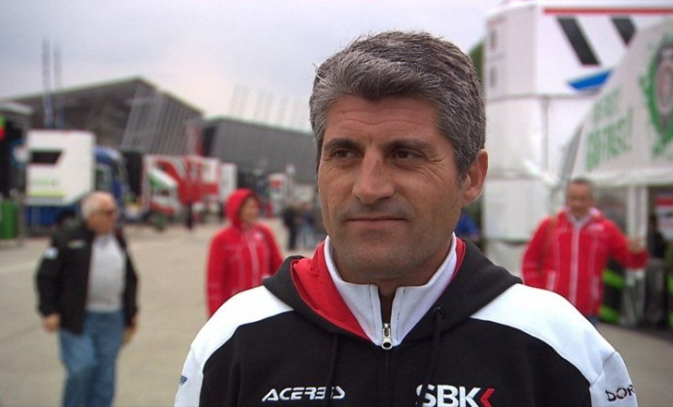 """SBK: Lavilla: """"Dorna will not abandon the teams, we will race to save families"""""""