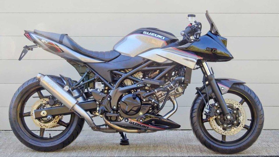 Moto - News: Suzuki: dal Giappone un kit per trasformare la SV650 in baby-Katana