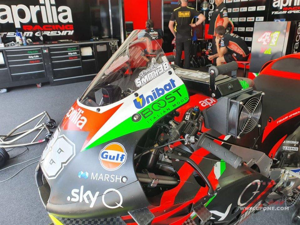 MotoGP: Aprilia vince la battaglia con KTM sui motori congelati