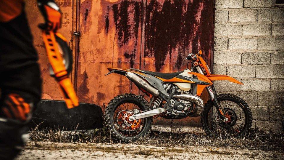 Moto - News: KTM presenta la gamma Enduro EXC 2021