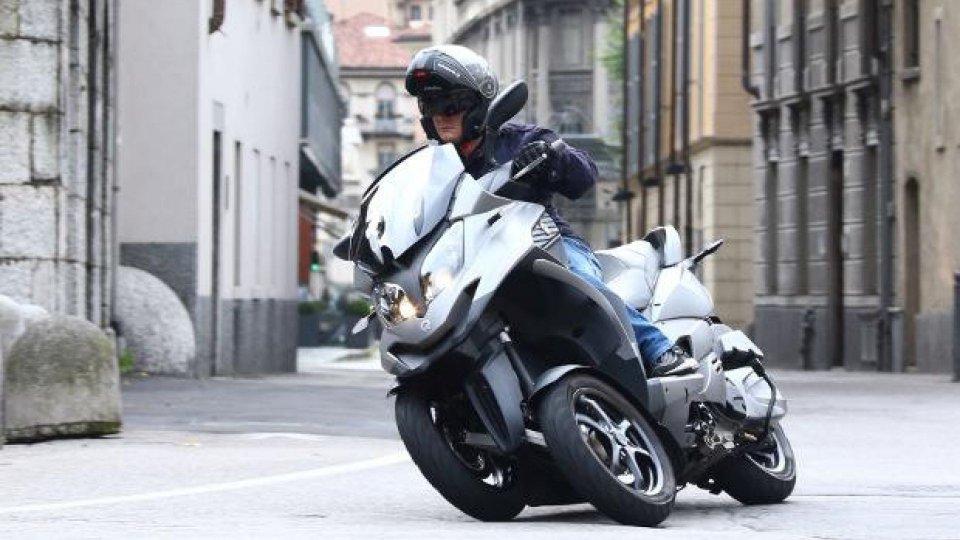 Moto - News: DL Rilancio: no ai tre ruote in autostrada, salta l'emendamento