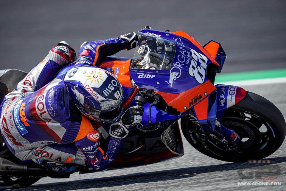 MotoGP: GP Stiria: vittoria di Oliveira e KTM, Miller 2°, Pol Espargarò 3°