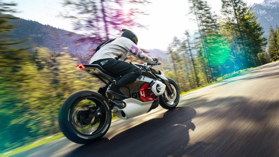 Moto - News: BMW: deposita 11 brevetti per moto e scooter elettrici