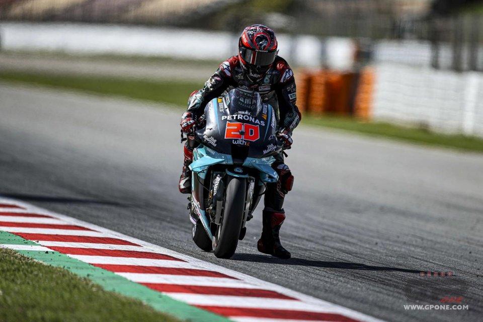 MotoGP: Quartararo firma il warm up di Barcellona, Rossi 3°, Dovizioso (14°) soffre ancora