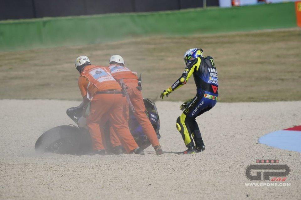 """MotoGP: Rossi: """"La caduta? Non cambia molto per il campionato, non ero veloce"""""""