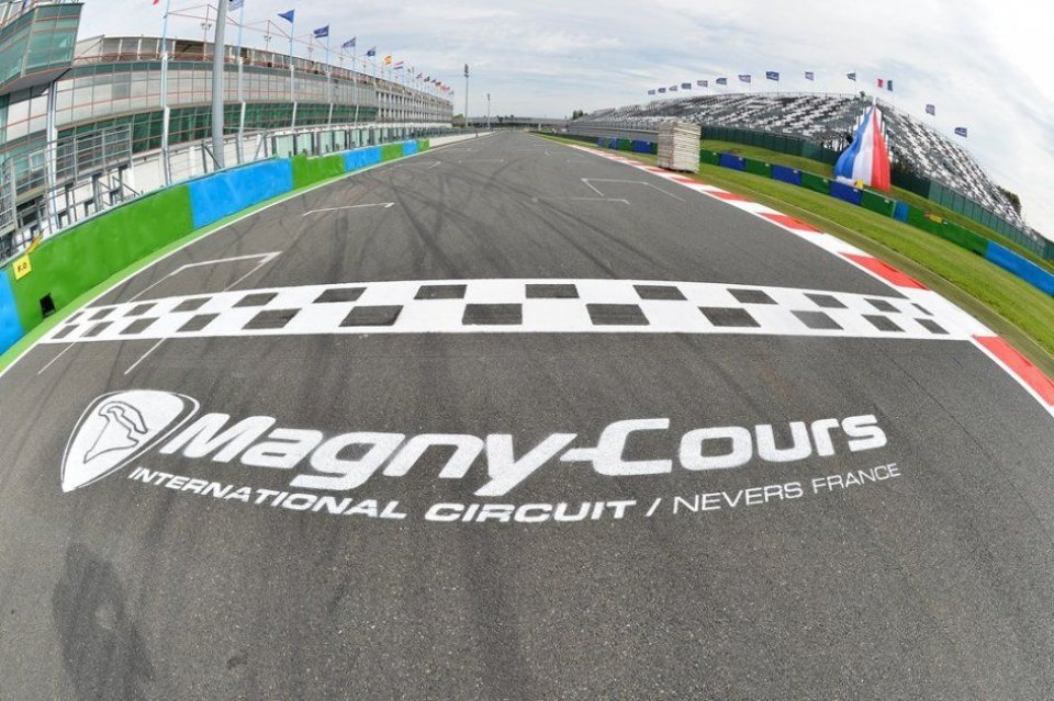 SBK: Superbike Magny-Cours: gli orari tv su Sky e TV8