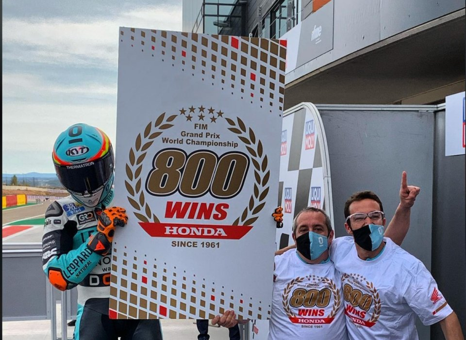 Moto3: Doppietta di Masia ad Aragon: è la vittoria n.800 per la Honda