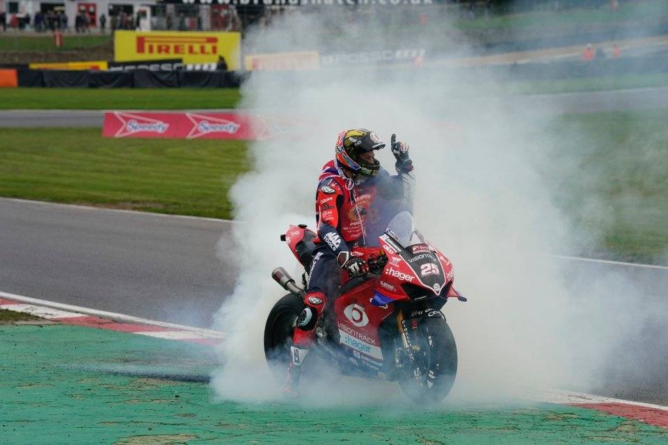 SBK: BSB, Josh Brookes campione 2020 del British Superbike