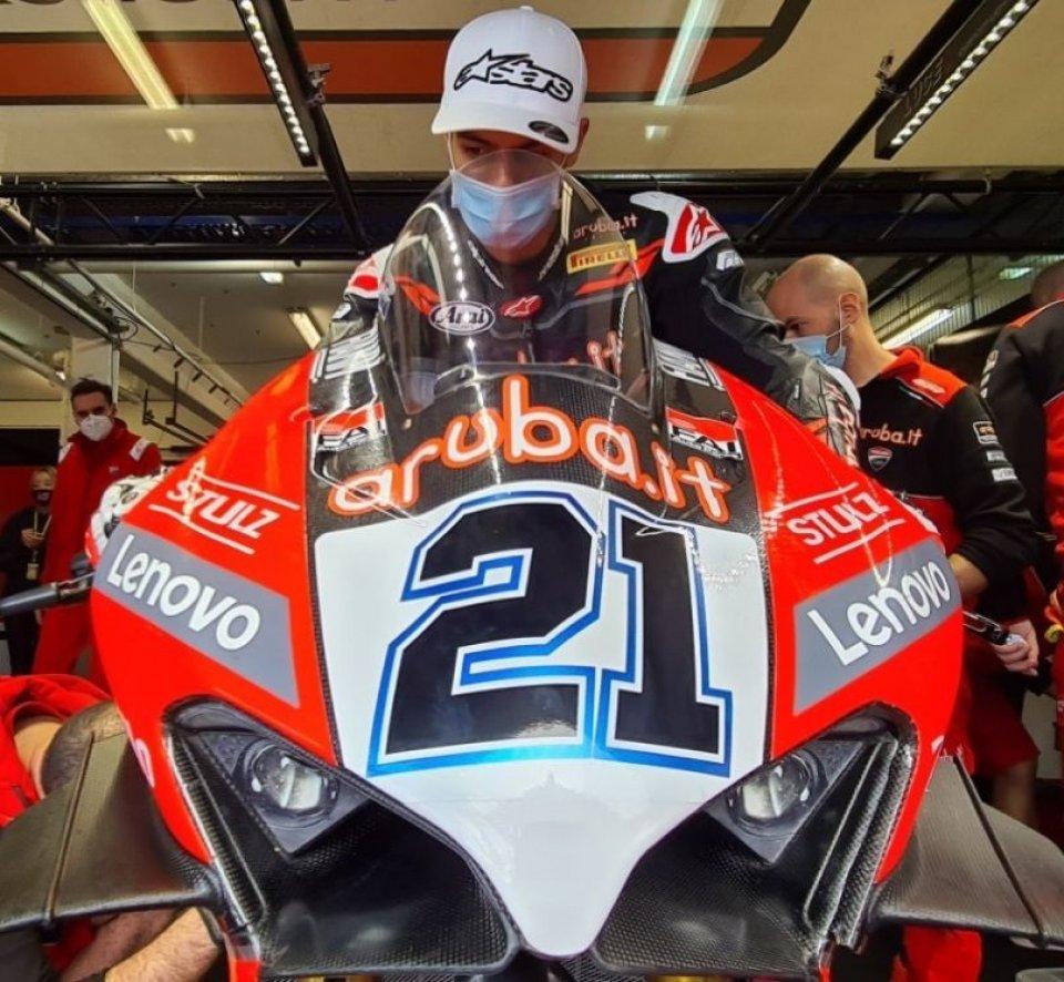 SBK: Michael Rinaldi debutta sulla Ducati V4 ufficiale a Estoril
