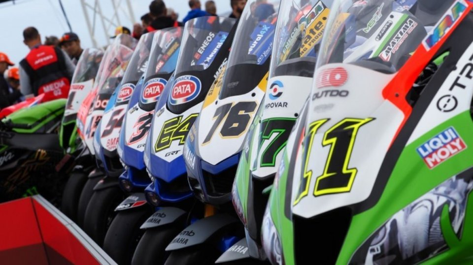 SBK: Superbike: Il Mondiale è finito, ma mezzo paddock non ha una sella per il 2021