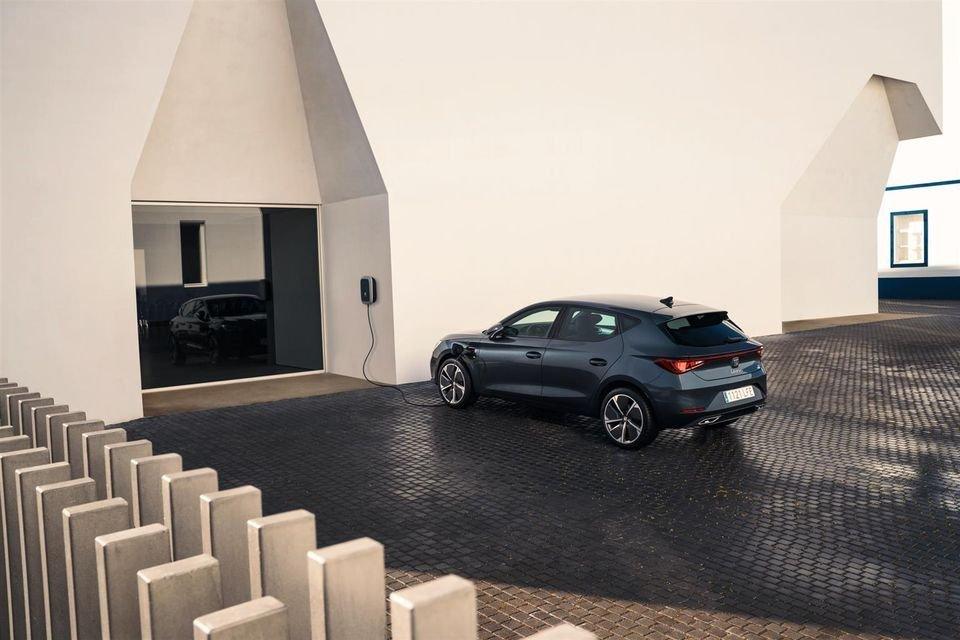 Auto - News: Seat Leon 2021: svelata l'ibrida plug-in 1.4 e-HYBRID - caratteristiche