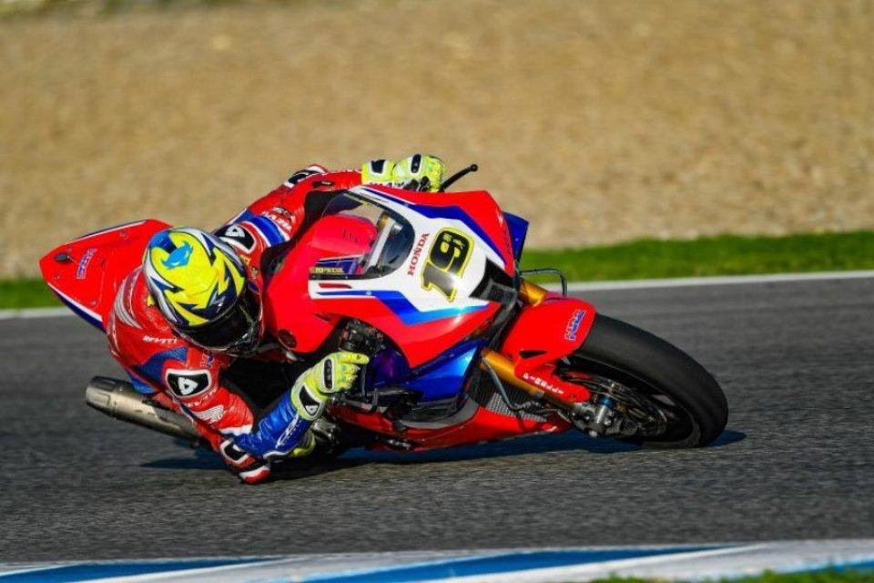 SBK: Bautista e Haslam in pista a Jerez fino a venerdì