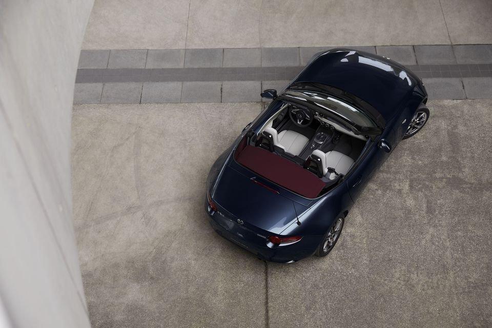 Auto - News: Mazda MX-5 2021: continua evoluzione di un mito - caratteristiche e foto