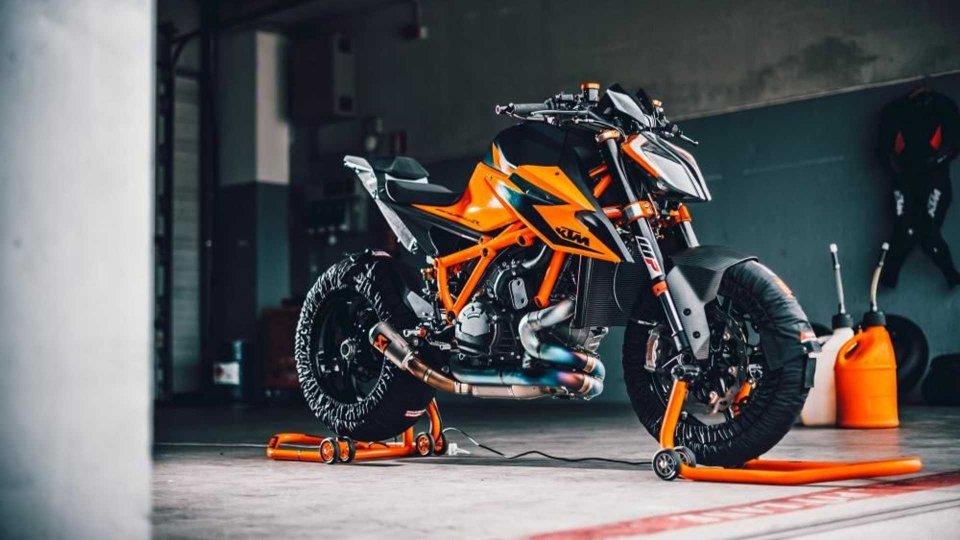 Moto - News: KTM 1290 Super Duke R 2020, richiamo per un problema di cablaggio