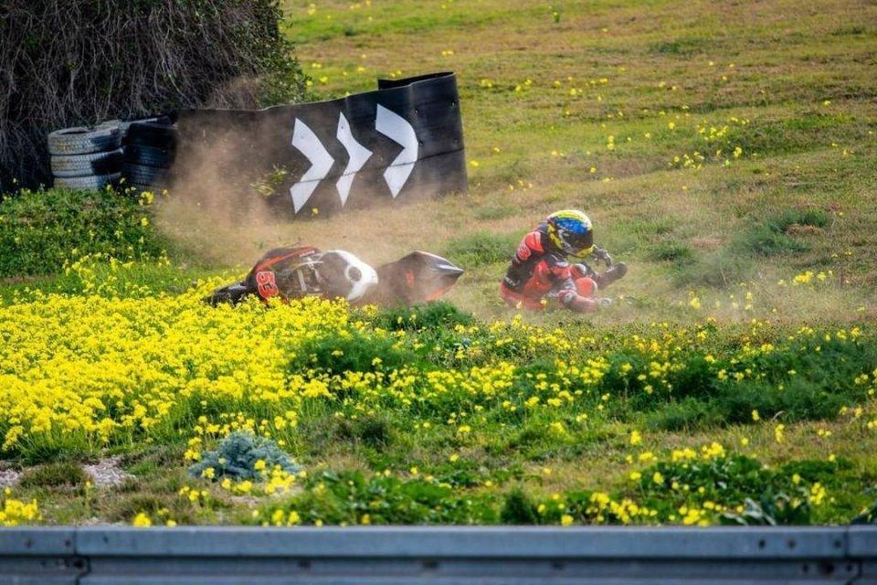 SBK: Maiorca: Tito Rabat esagera con la Ducati V4S e la moto lo punisce!