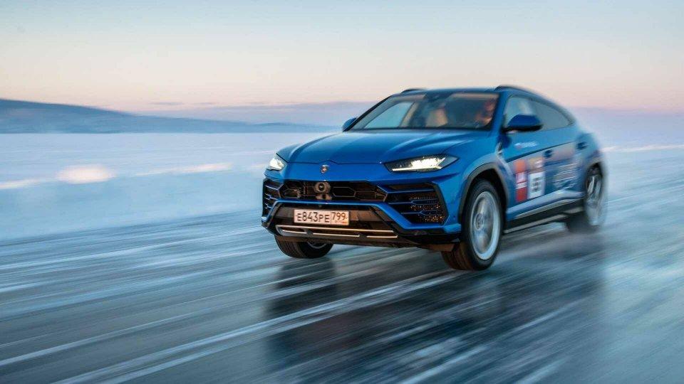 Auto - News: Lamborghini Urus, nuovo record: sul ghiaccio a 298 Km/h!