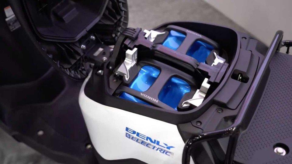 Moto - News: Honda, KTM, Piaggio e Yamaha insieme per le batterie intercambiabili