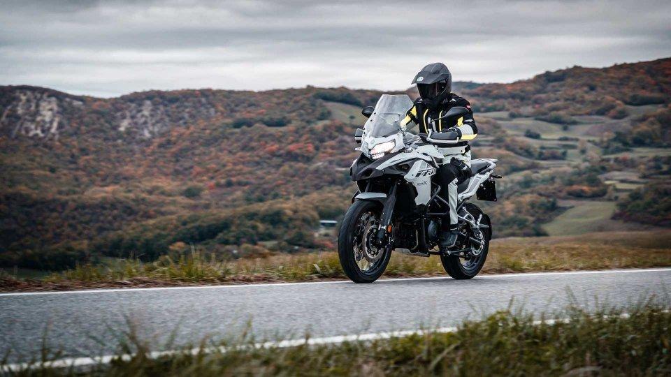 Moto - News: Benelli TRK 502 X, arriva in concessionaria la adventure bike pesarese