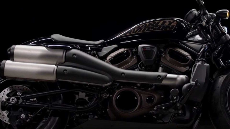 Moto - News: Harley-Davidson Custom 1250 2021, ecco come sarà