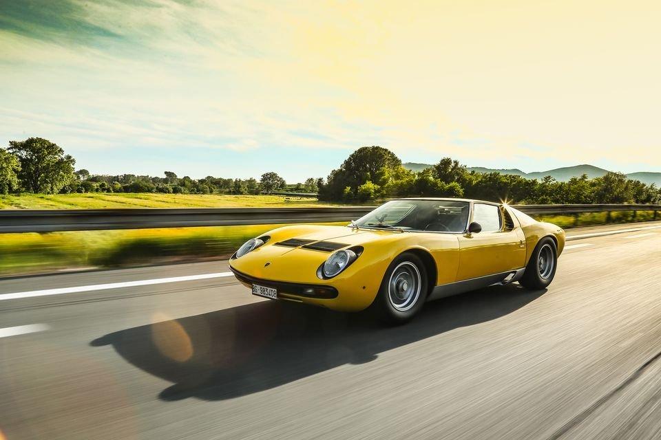 Auto - News: Buon compleanno Lamborghini Miura SV! 0-290 Km/h in 24 secondi