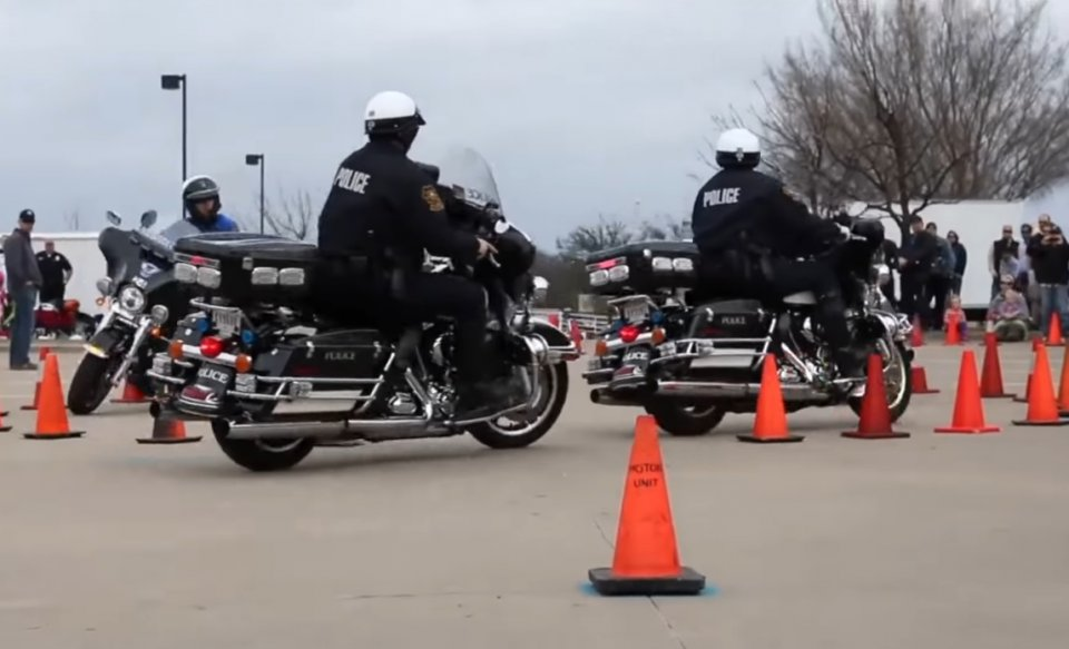 Moto - News: USA: il corso di guida in moto te lo regala la polizia