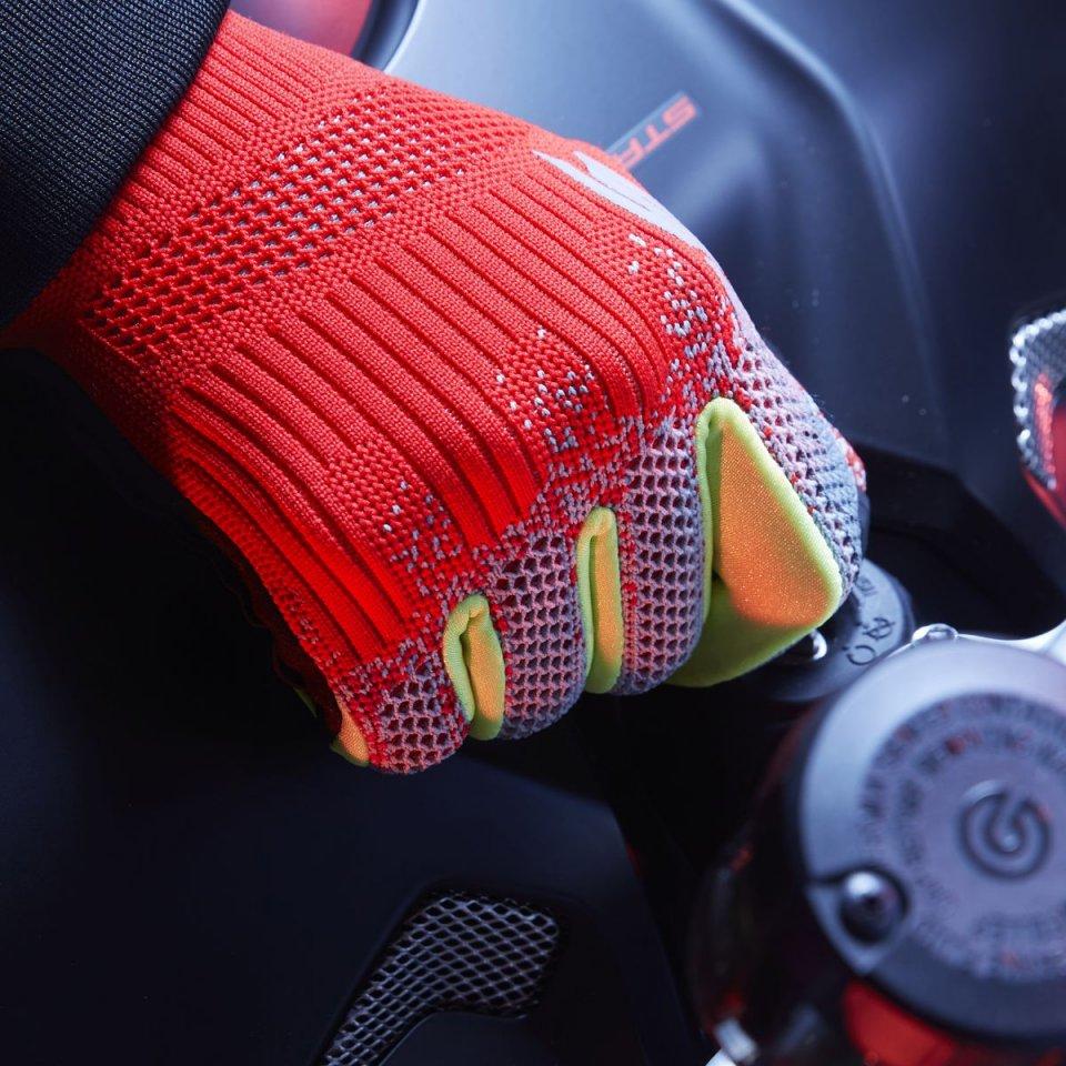 Moto - News: SPIDI X-Knit: innovazione in 32 grammi