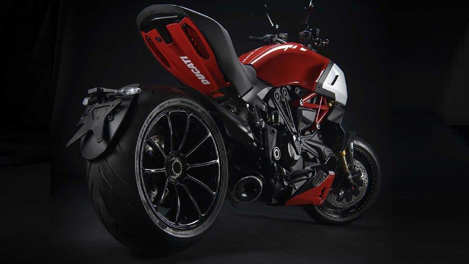 Moto - News: Ducati frena sulla moto elettrica e punta sul carburante sintetico