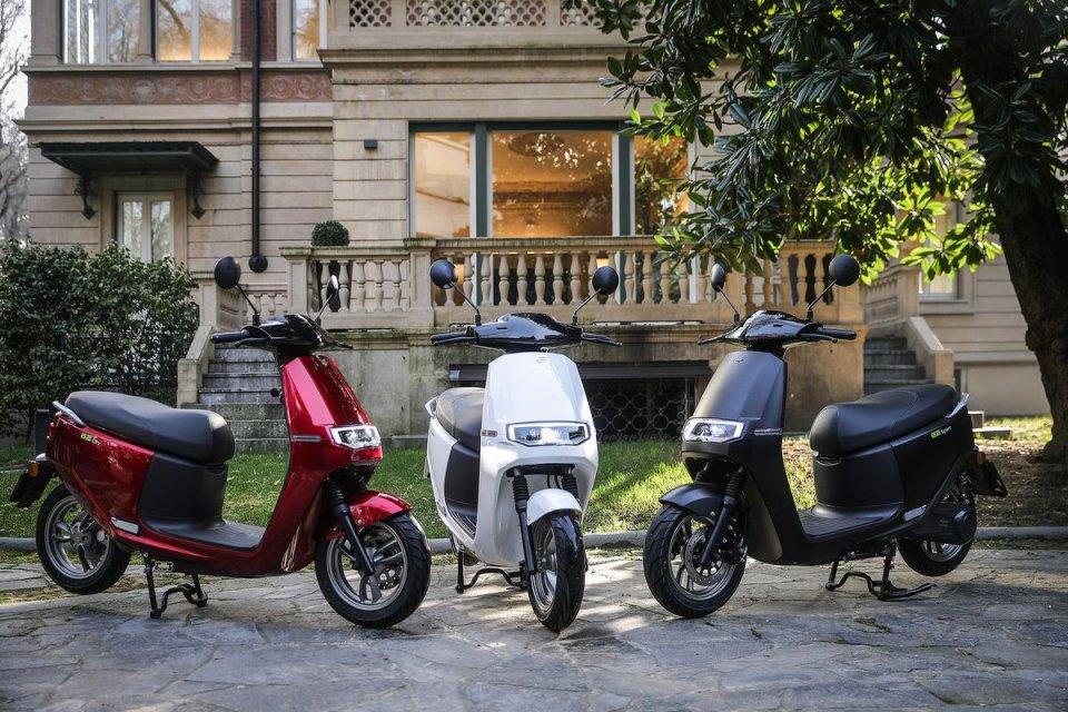 Moto - Scooter: Ecooter E2 City e E2 Sport: un nuovo scooter elettrico minimalista
