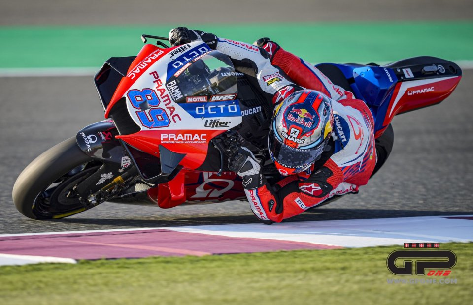 "MotoGP: Martin: ""I lean more than anyone else, since I'm short, but I don't ruin the tires"""