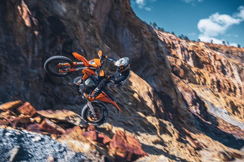 Moto - News: KTM Enduro EXC 2022: le specialistiche austriache Ready to Race
