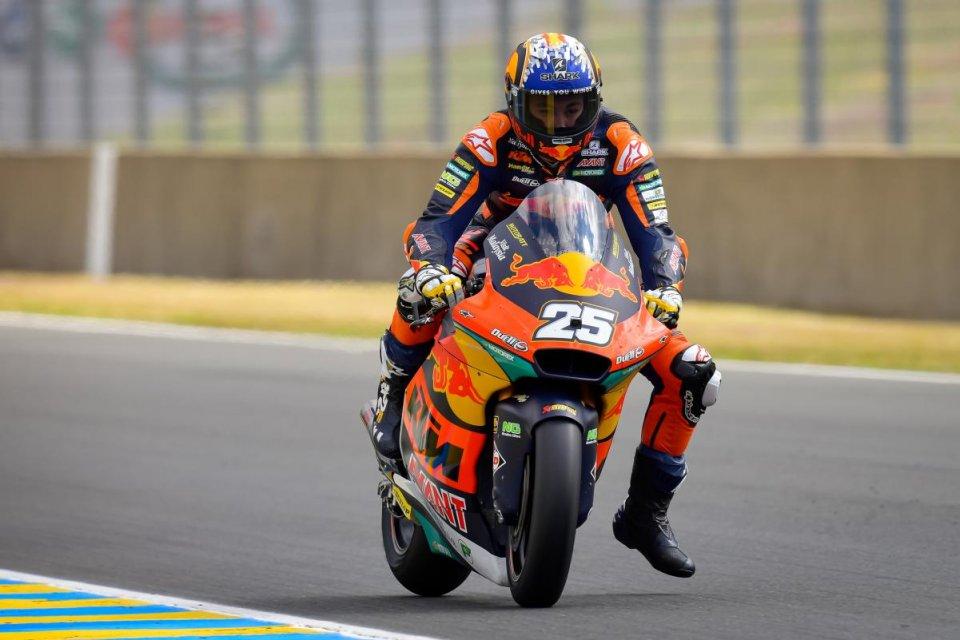 Moto2: Raul Fernandez stappa il Prosecco con la pole a Le Mans, 2° Bezzecchi