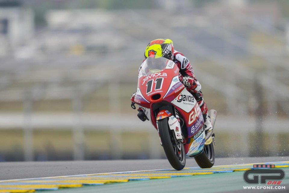 Moto3: Vince García a Le Mans, cade e riparte Acosta: è 8° e ancora leader